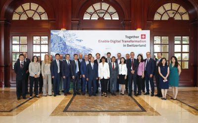 Schweizer Delegation bei Huawei im HQ